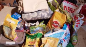 Dons de nourriture et de couvertures